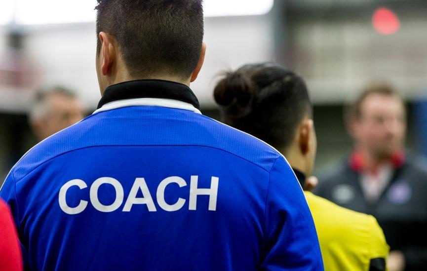 ¿Los técnicos pueden fichar por otro equipo en la misma temporada?