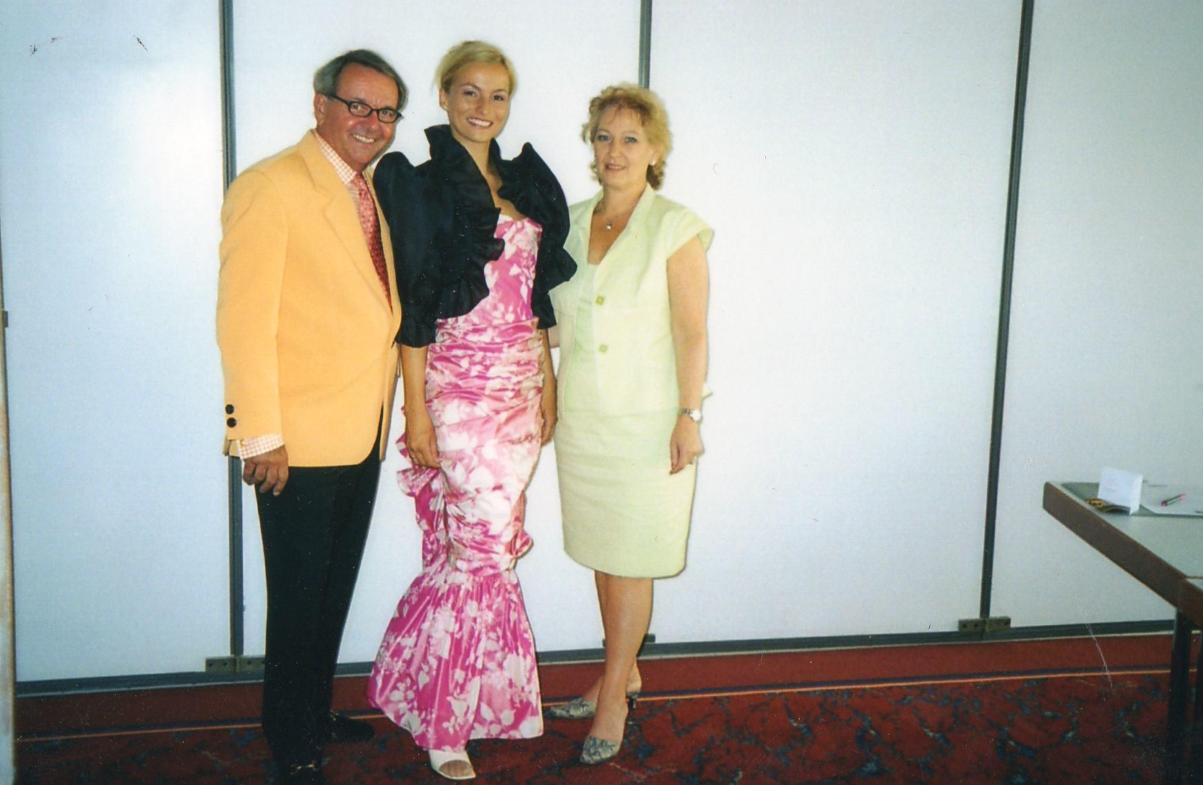 Laurentz Joosse aus den Niederlanden wird zum Ehrenmitglied ernannt - 2003 Freiburg