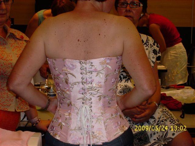 So sieht dann das fertige Mieder von hinten aus - 2009 St. Gallen