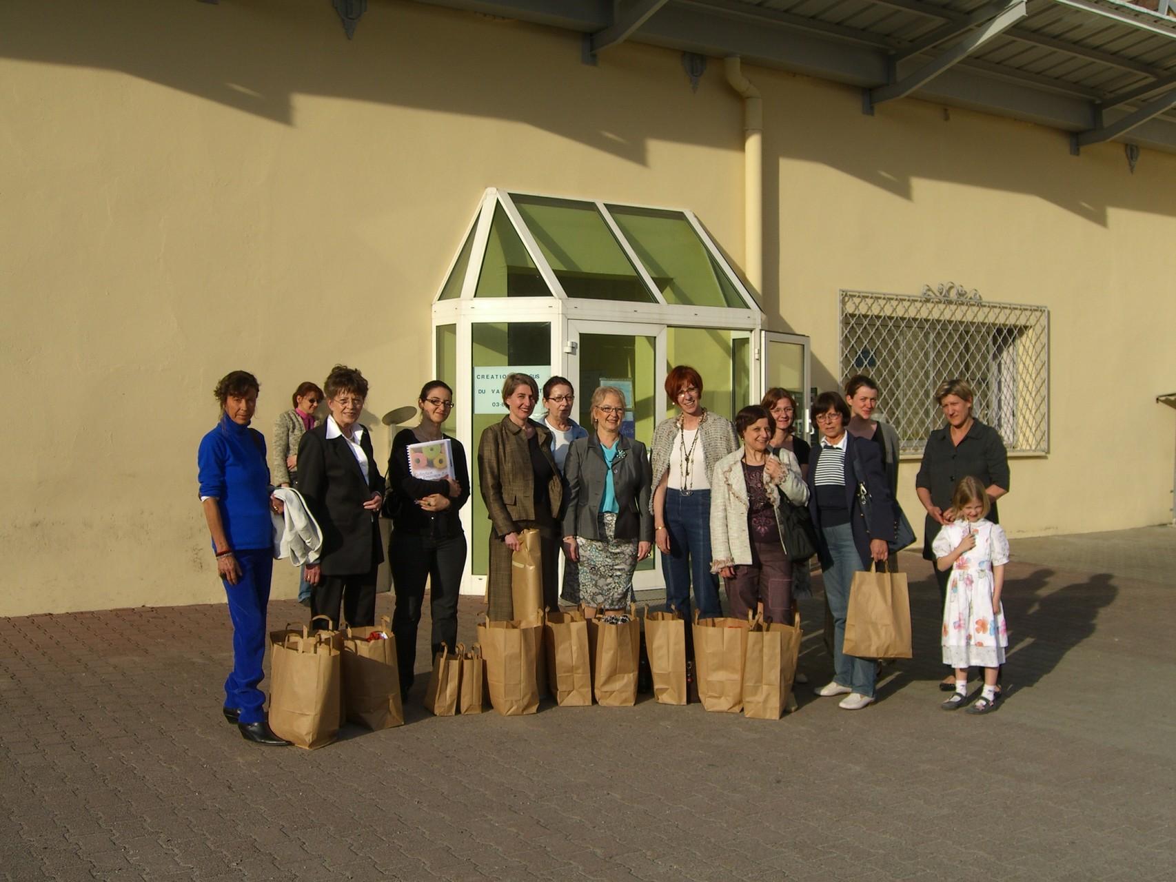 Fleißiger Einkauf von Tweedstoffen in Saint-Marie-Aux-Mines - 2008 Geradmér