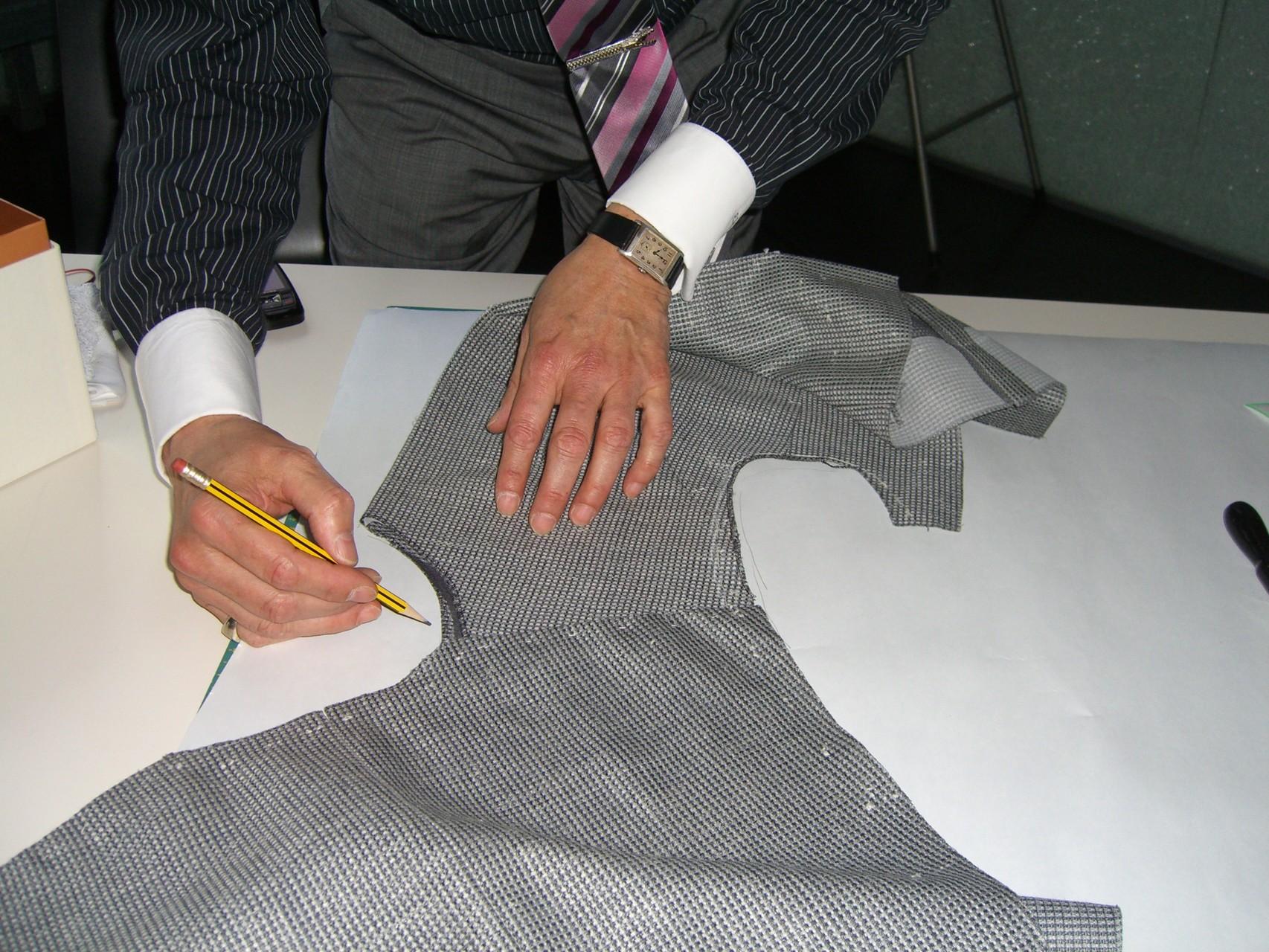 Spezielle Plaque-Verarbeitung für das klassische Kostüm oder Anzug - 2011 Frankfurt