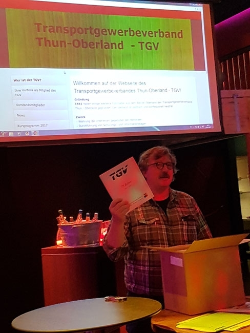 Buchpräsentation 75 Jahre TGV durch den Vizepräsidenten Urs Gafner