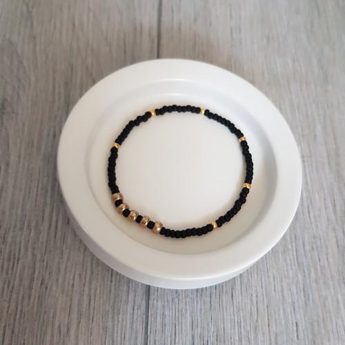 elastische Armbänder mit Perlen