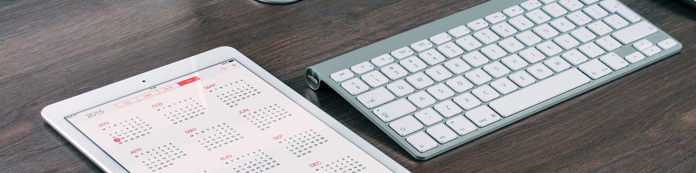 Tablet und Computertastatur