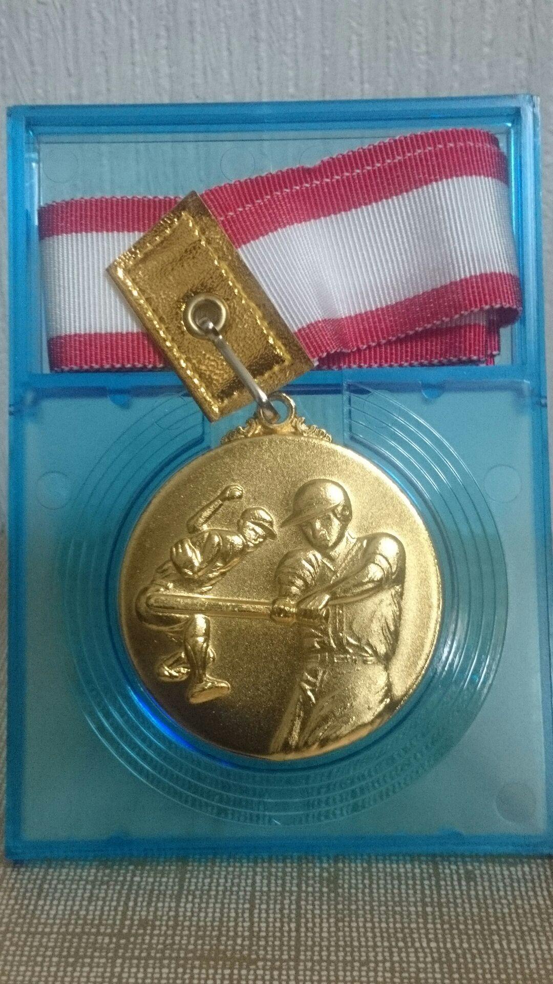 優勝メダル(表)