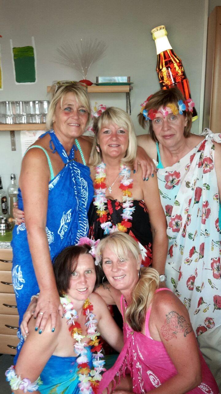 Unsere Cocktailmädels (Heike, Claudia, Marina, Doris, Simone).