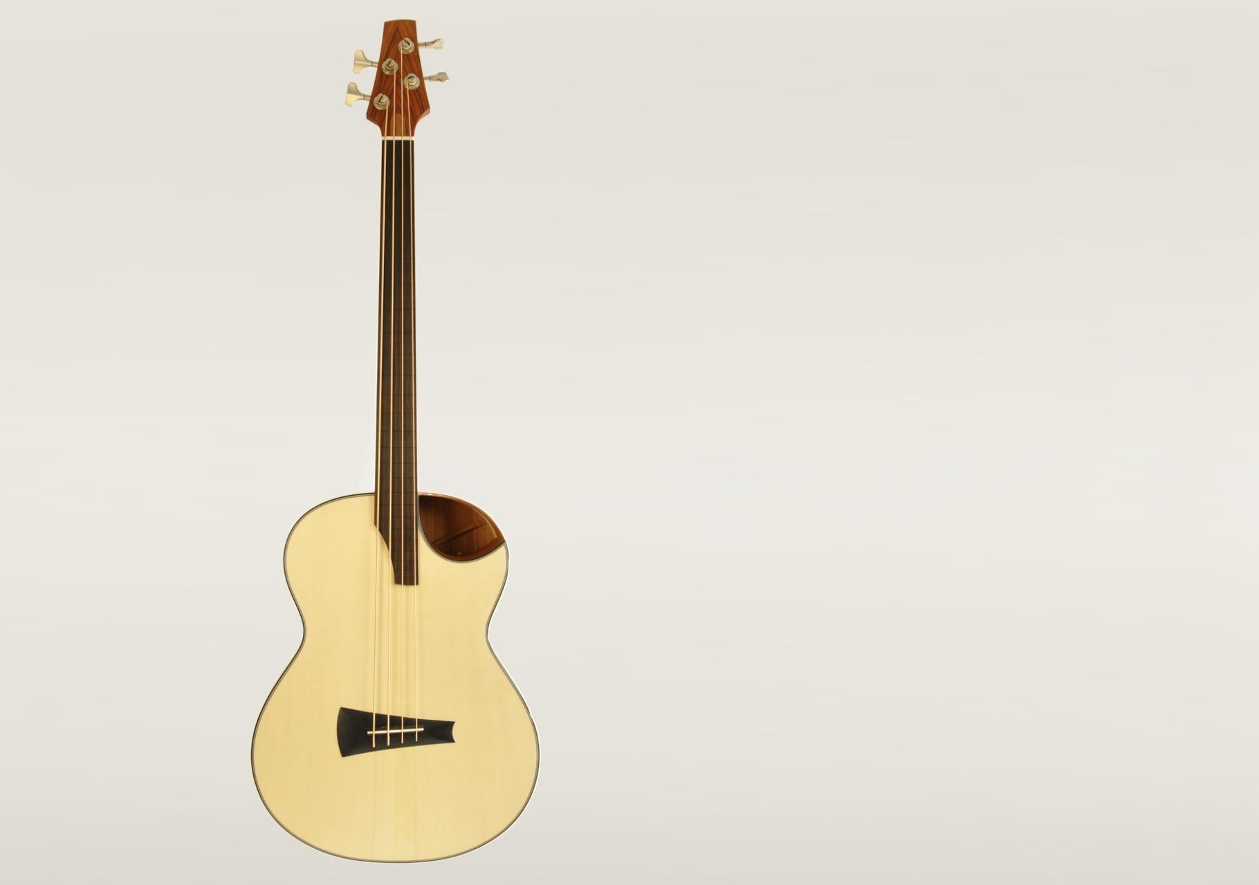Akustikbass 4-Saiter Prototyp 1