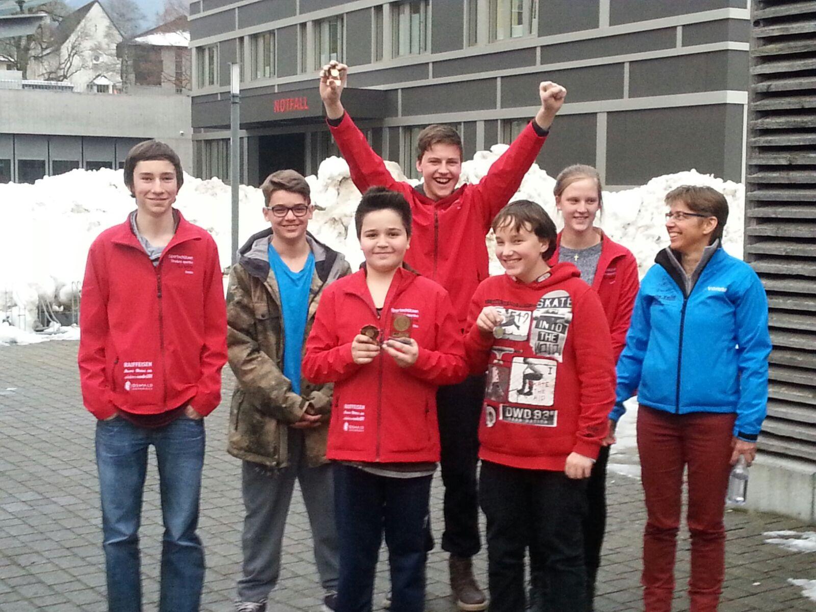 Jugendtag 7.2.16 Schiers mit Sandro, Paul, Tino, Nico, Angelo, Lorena, Yvonne v.l.