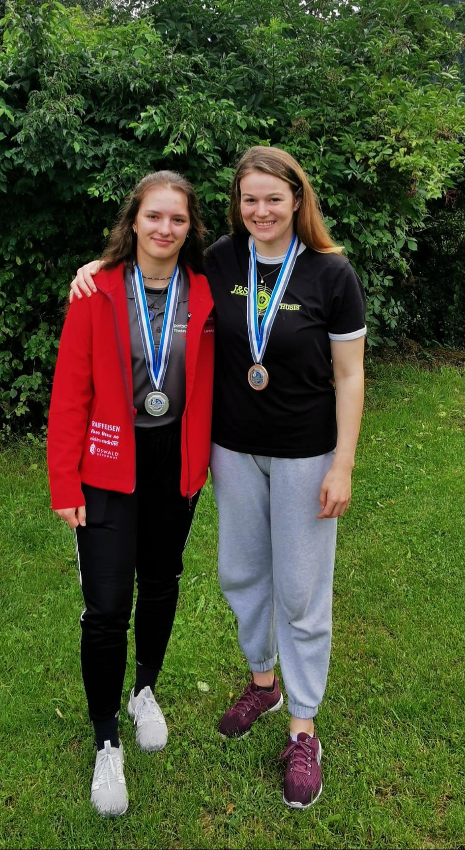 BMS 2021 liegend Jun 2. und 3. Rang Anja und Manuela