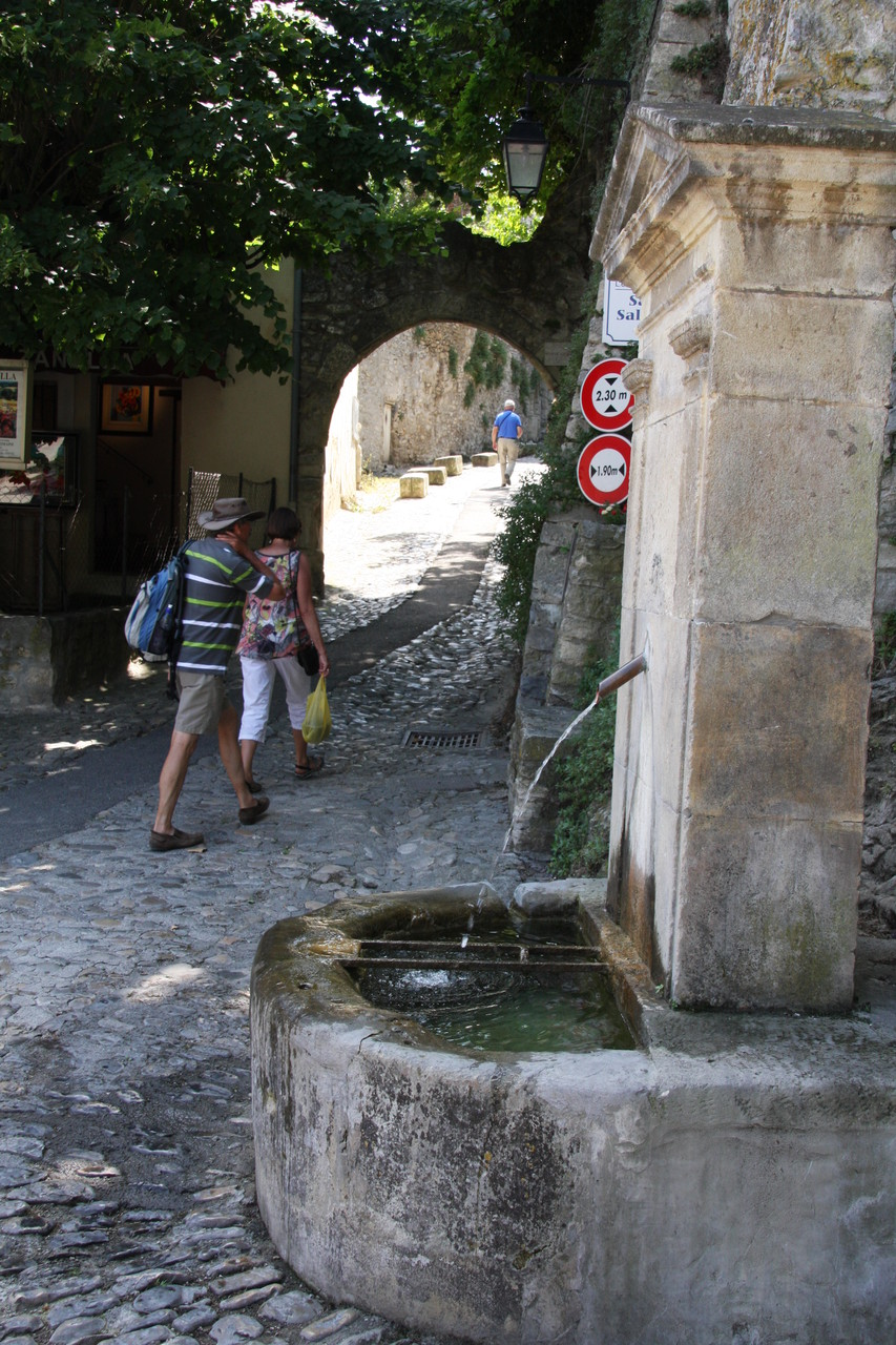 Bild: Fontaine in Vaison-la-Romaine