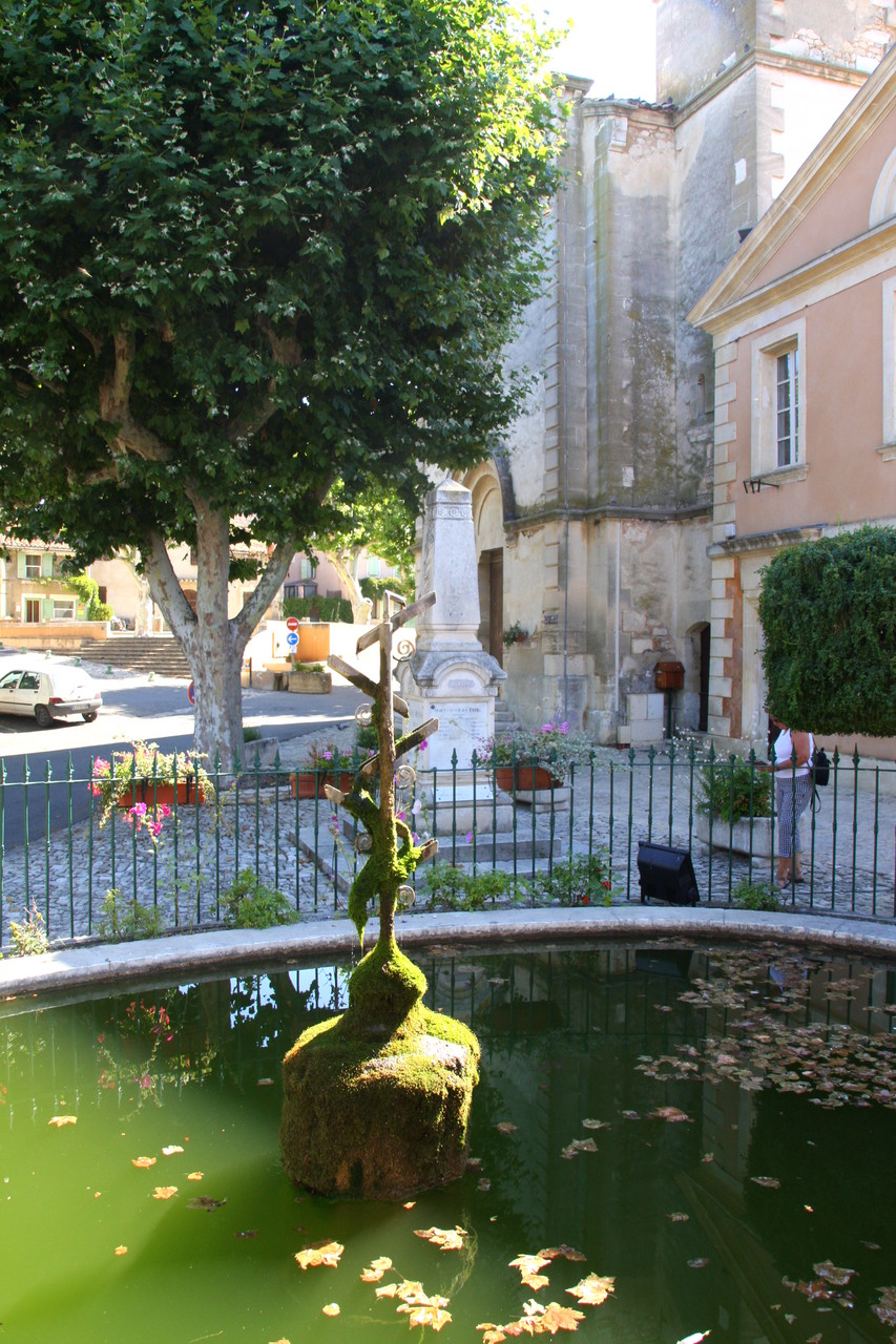 Bild: Fontaine in Lioux