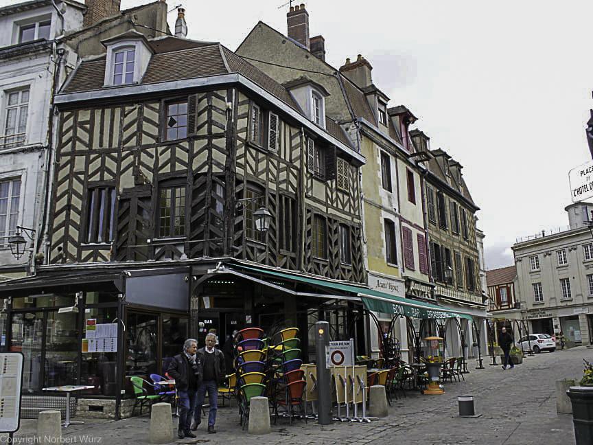 Bild: Fachwerkhaus in Auxerre