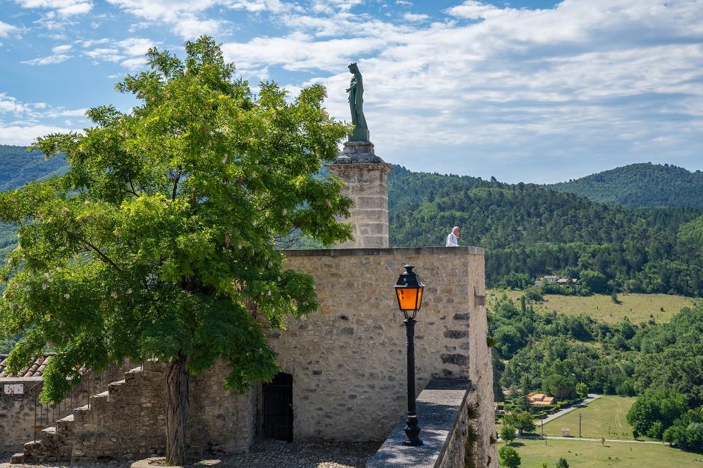 Bild: Aussichtsterrasse des ehemaligen Schlosses