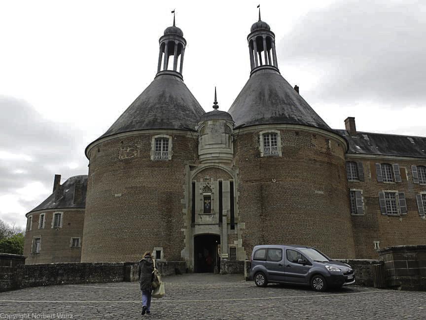 Bild: Eingang zum Château de Saint-Fargeau