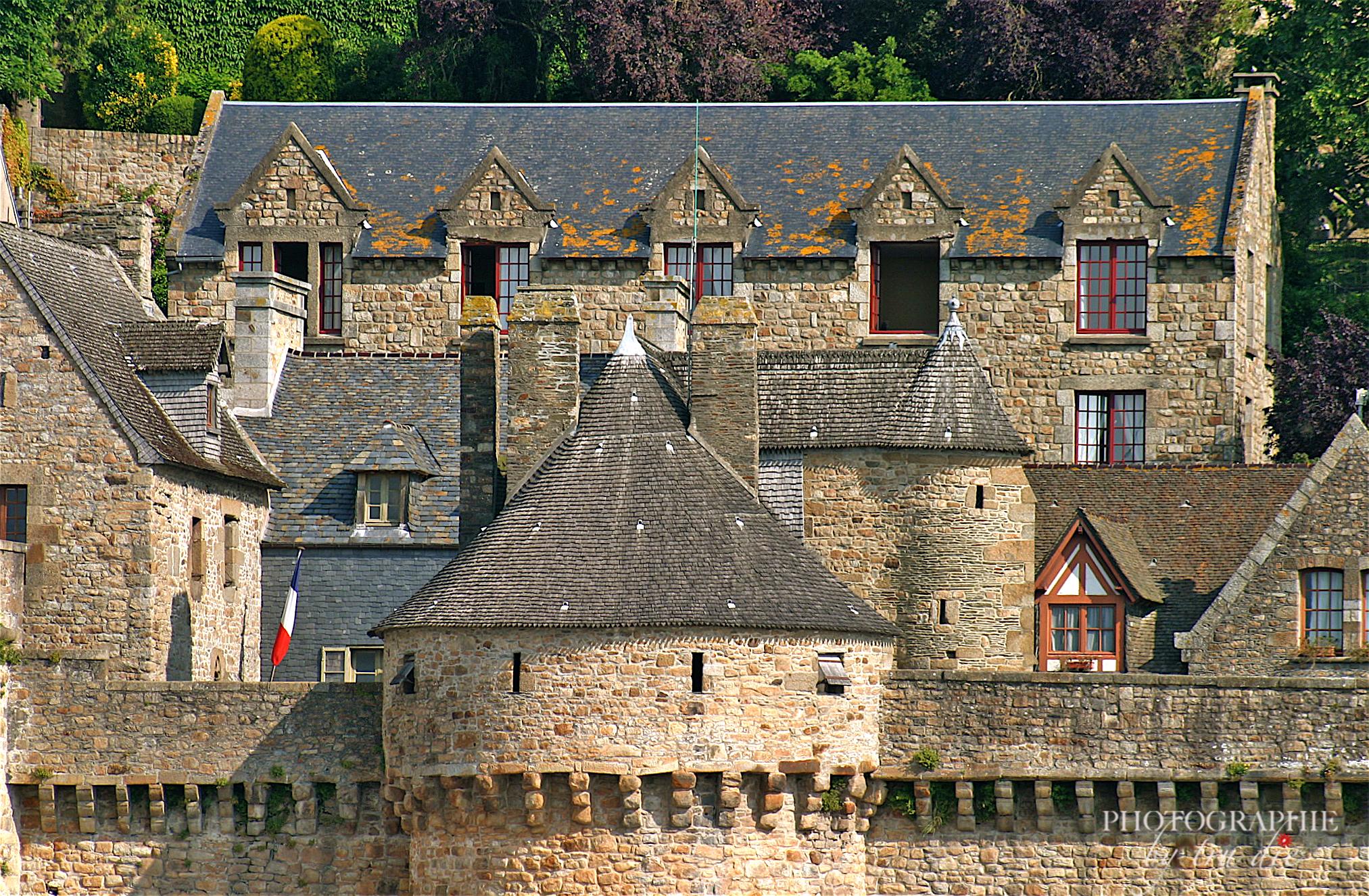 Bild: Ausblicke in den Straßen von Mont-Saint-Michel