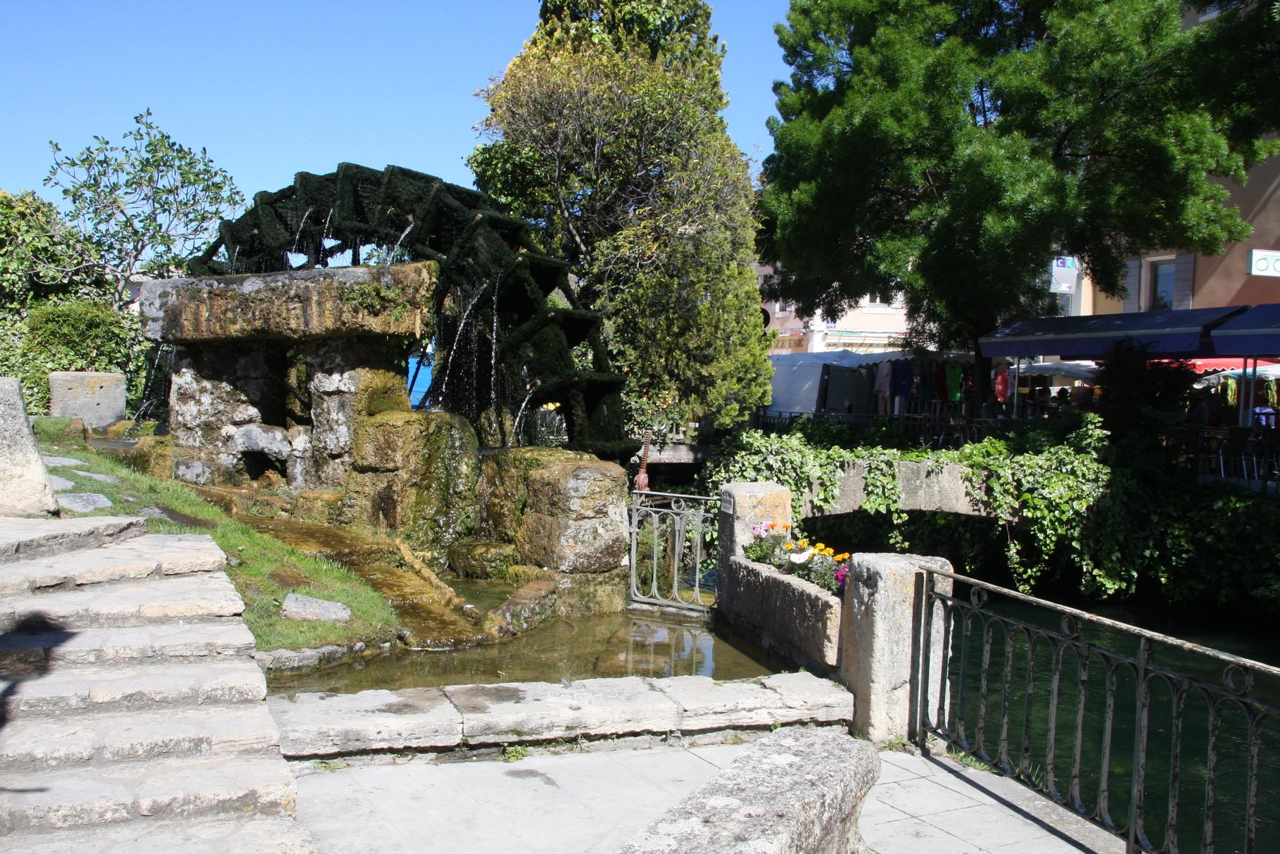 Bild: Wasserrad L´Isle-sur-la-Sorgue