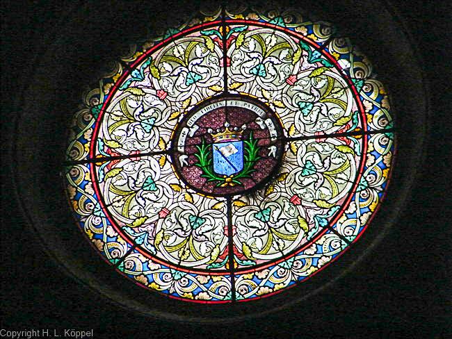 Bild: Fenster in der Kirche St. Etienne in Ille-sur-Têt