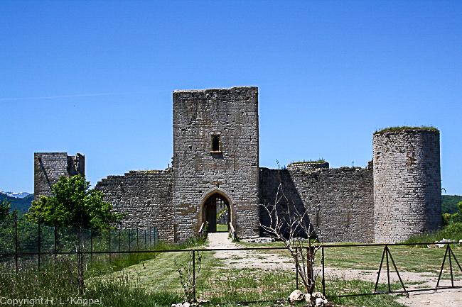 Bild: Eingang zur Burgruine Puivert