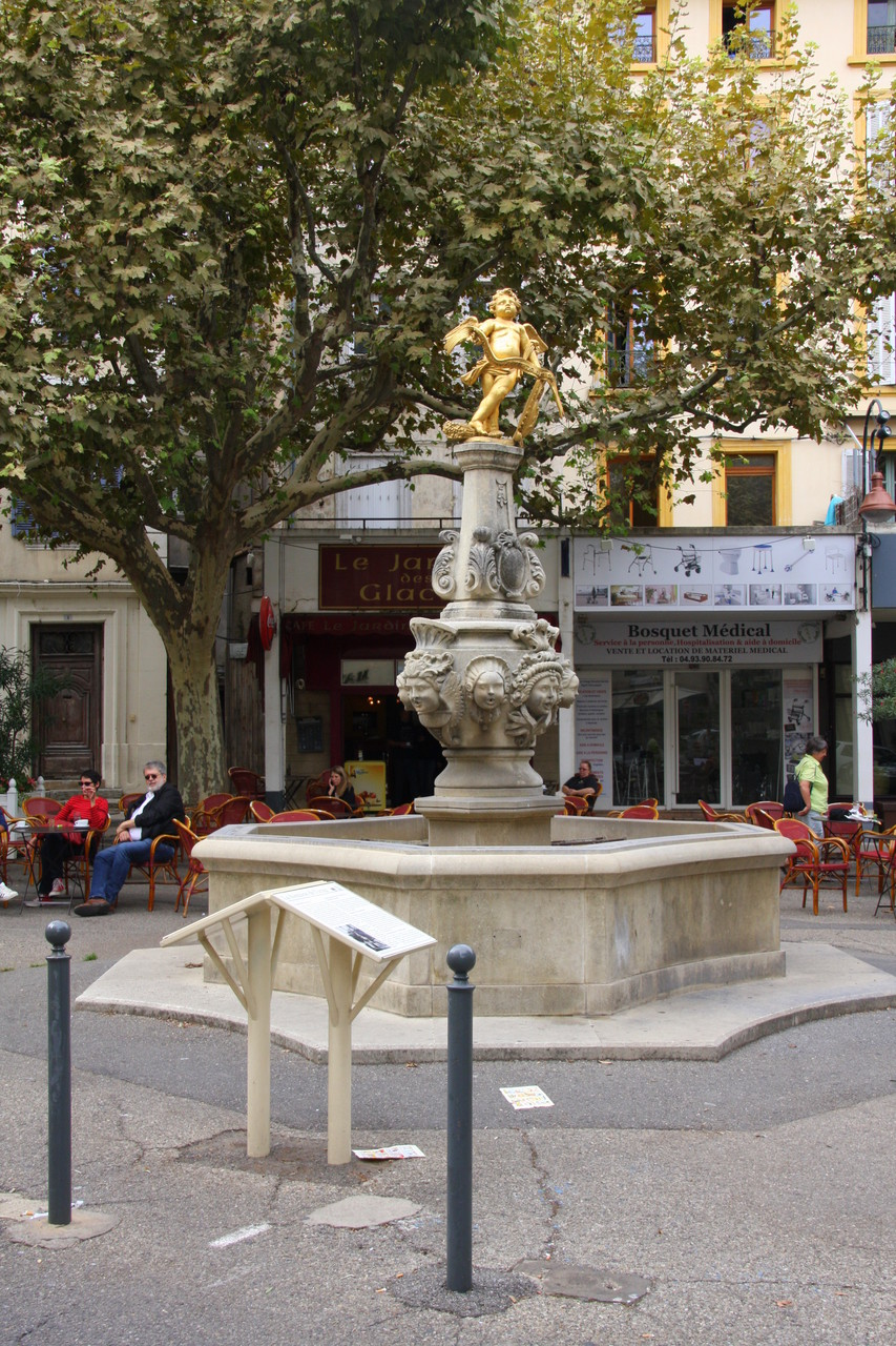 Bild: Fontaine in Carpentras
