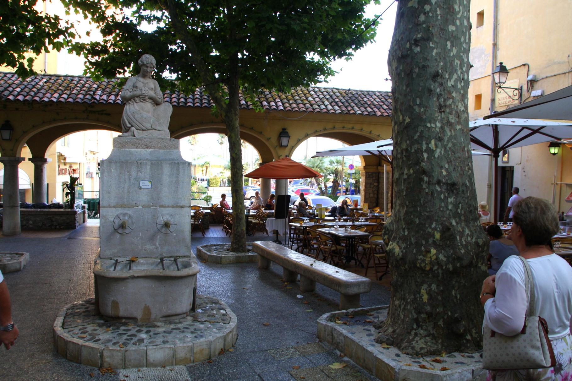 Bild: Fontaine in Menton