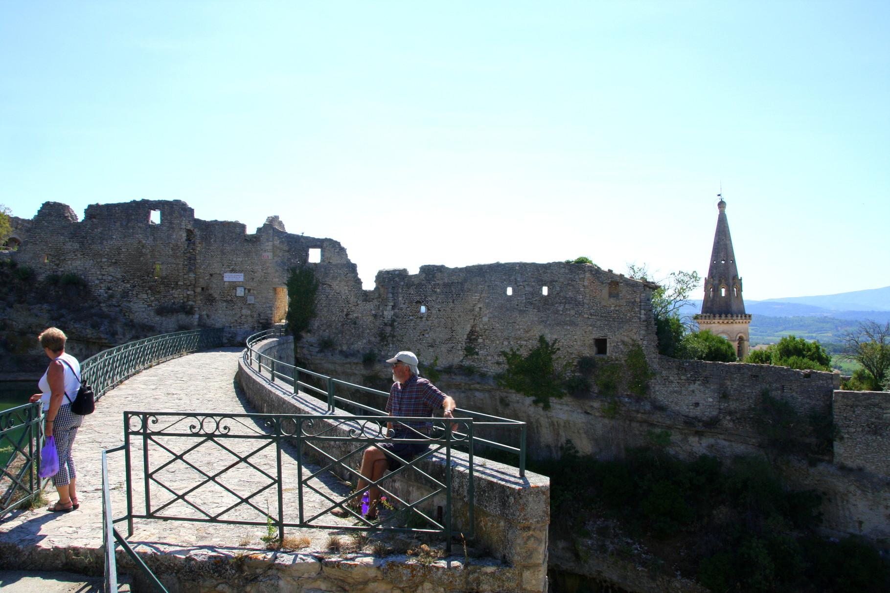 Bild: Staumauer in Saint-Saturnin-les-Apt