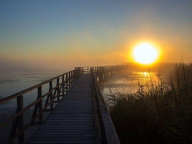 Sonnenaufgang über dem Federsee (Bild: Heiko Stein)