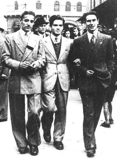 Pasolini à la faculté de Bologne, avec ses amis