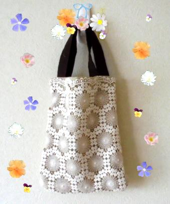 ❁余り布とモチーフレースでミニバックを作ってみました、スワロとかで飾ればフォーマルにも使えそうです。
