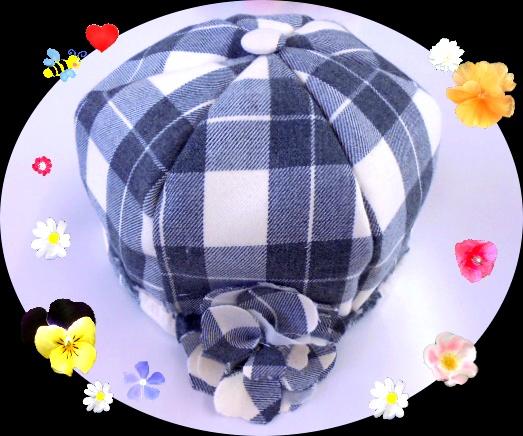 厚手のウール素材でマロン型のベレー帽とお揃いのコサージュを作りました。