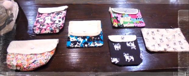 小物作りも楽しいですね、今回は動物柄が多いです、内布は帆布で強くて使いやすいです。