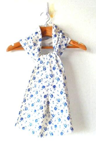 *爽やかなブルーの小花のコットンガーゼの生地のストールです、幅は広めです。