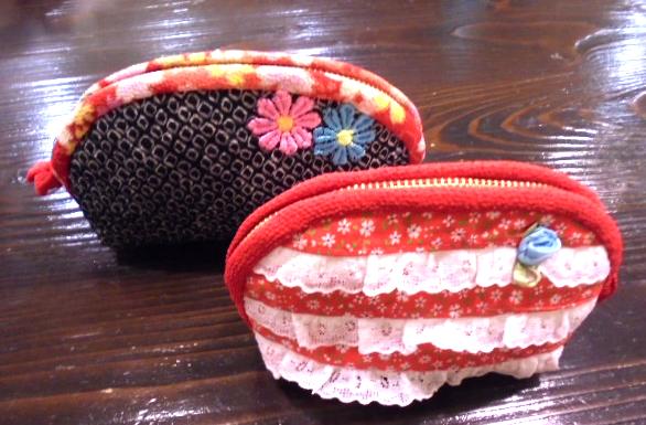お裁縫の大先輩から頂いたポーチです、和風モダンなガーリィなデザインが可愛いです、現在お礼を製作中です。