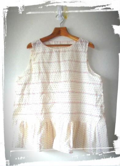 *子供服にようなかわいいコットンの生地を子供服のようなかわいいデザインで仕上げました。