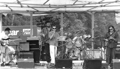 "The Smash Brothers Live ""What Art...-Festival"" Leonhard-Eißnert-Park Offenbach Sonntag, 13.Juli 1997,  v.l.n.r. Albert Jahn (g), Gregor Hädicke (b), Michael Moll (voc), Peter Jahn (dr), Jürgen ""Schorsch"" Michele (g)"