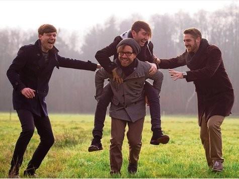 Guter Dinge sind die vier Jungs von Inhuman (von links) Sebastian Wodtcke, Christoph Pohl (vorne), Jonas Fisch und Timo Kraus. Sie setzen auf die Unterstützung ihrer Fans, um 2015 ihr neues Album herausbringen zu können.