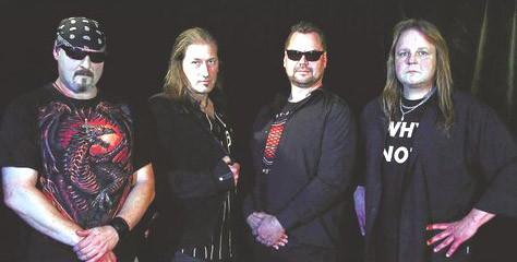 Scene X Dream stehen für soliden Hardrock: Jetzt geht die Band (von links: Sänger Andi Sommer, Gitarrist Nico Mola, Schlagzeuger Martin Winter, Bassist Stefan Fleischer) als Vorgruppe für Anvil auf ausgedehnte Europa-Tournee.