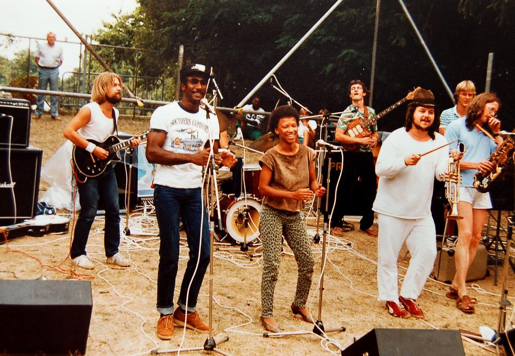 Suppenschüssel 1983, v.l.n.r.: Thomas Hegner, Tony Barnes, Donna Evans, Peter Maith, Peter Koch, Frank Spannaus, Joni Jacobi