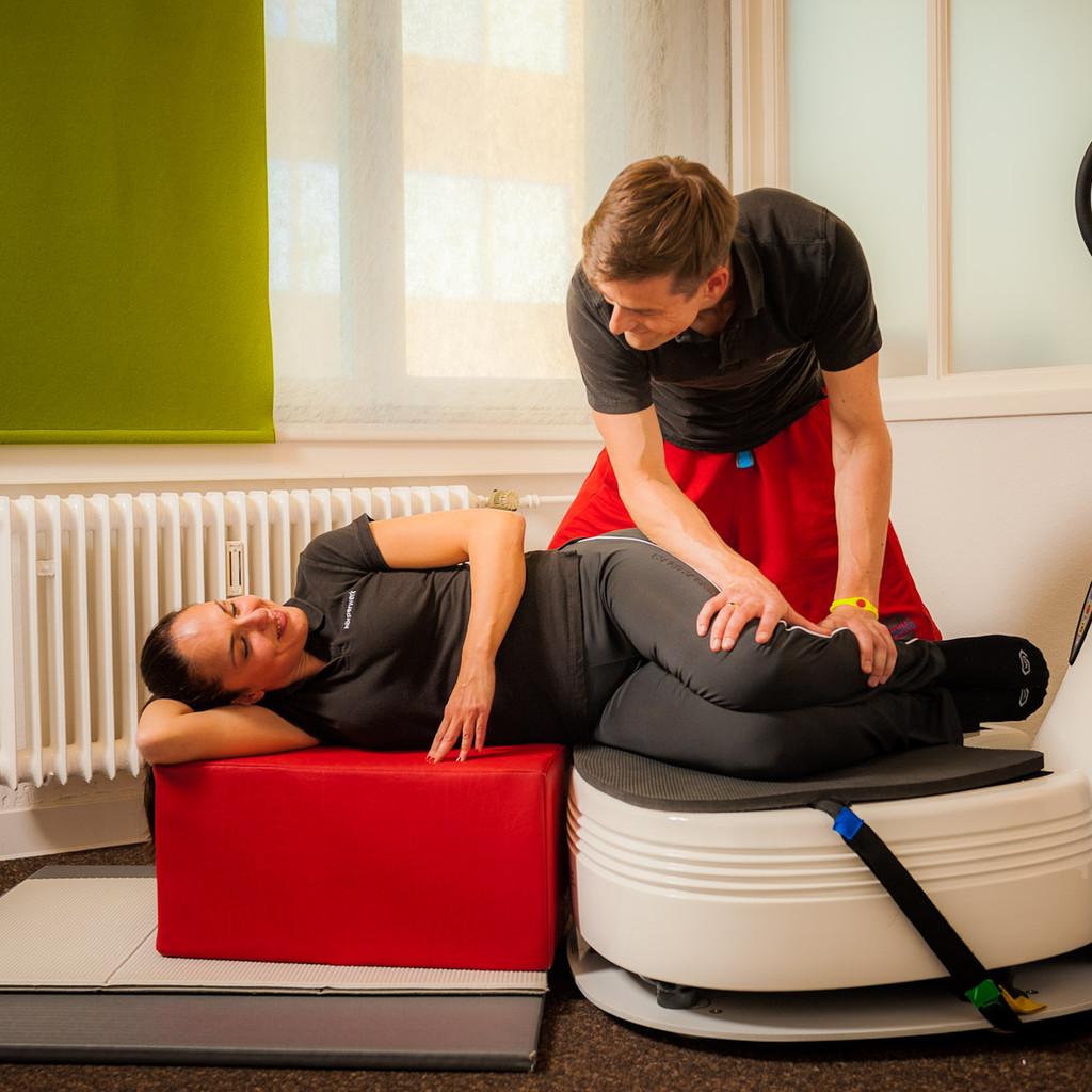 Das Ganzheitliche Training wird durch Dehnungs-, Massage- und Entspannung abgerundet.