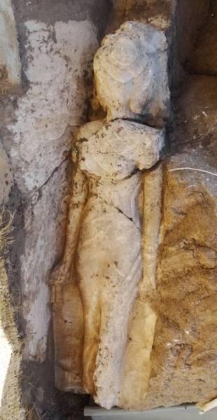 Statue d'Iset, fille d'Amenhotep III. Photo : Louxor Times