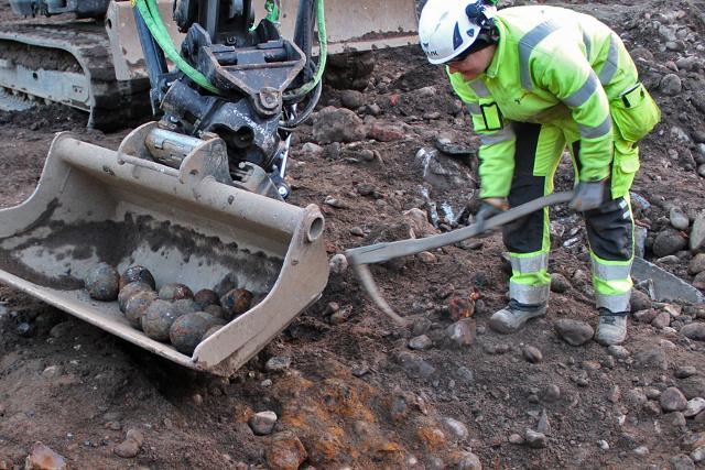 Quelques boulets de canon retrouvés en novembre. Crédit : Arkeologikonsult