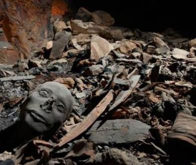 Photo de la chambre funéraire où on été trouvées les momies