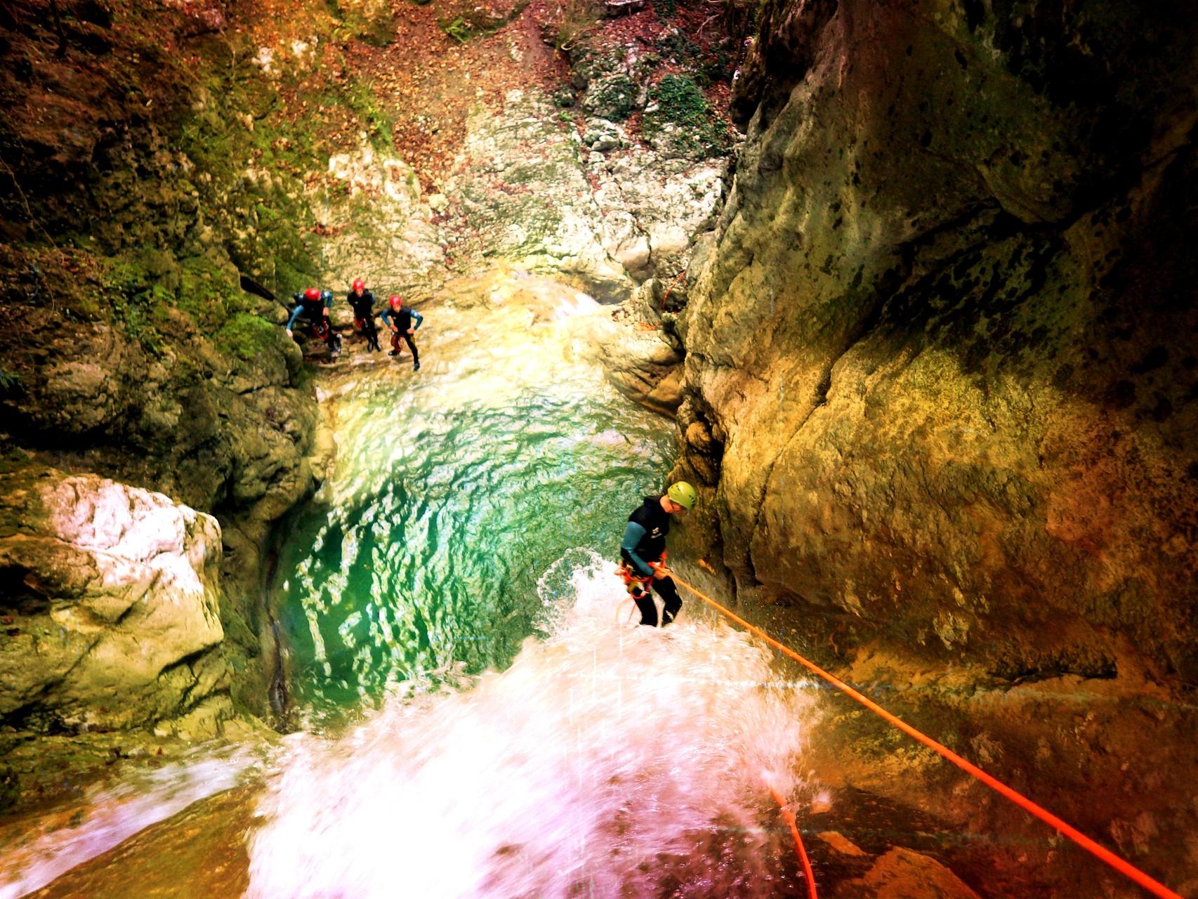 rappel dans le canyon du Versoud - Isère
