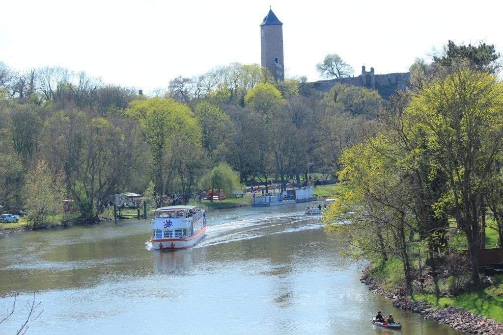 MS Händel II in Höhe Burg Giebichenstein