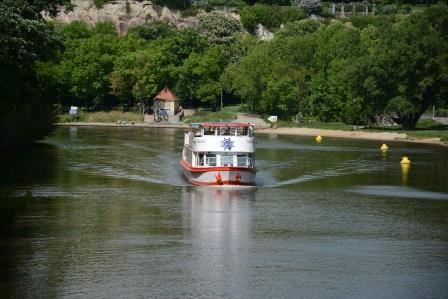 MS Händel II entlang der Ziegelwiese und Peißnitzinsel