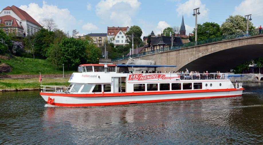 MS Händel II an der Giebichensteinbrücke