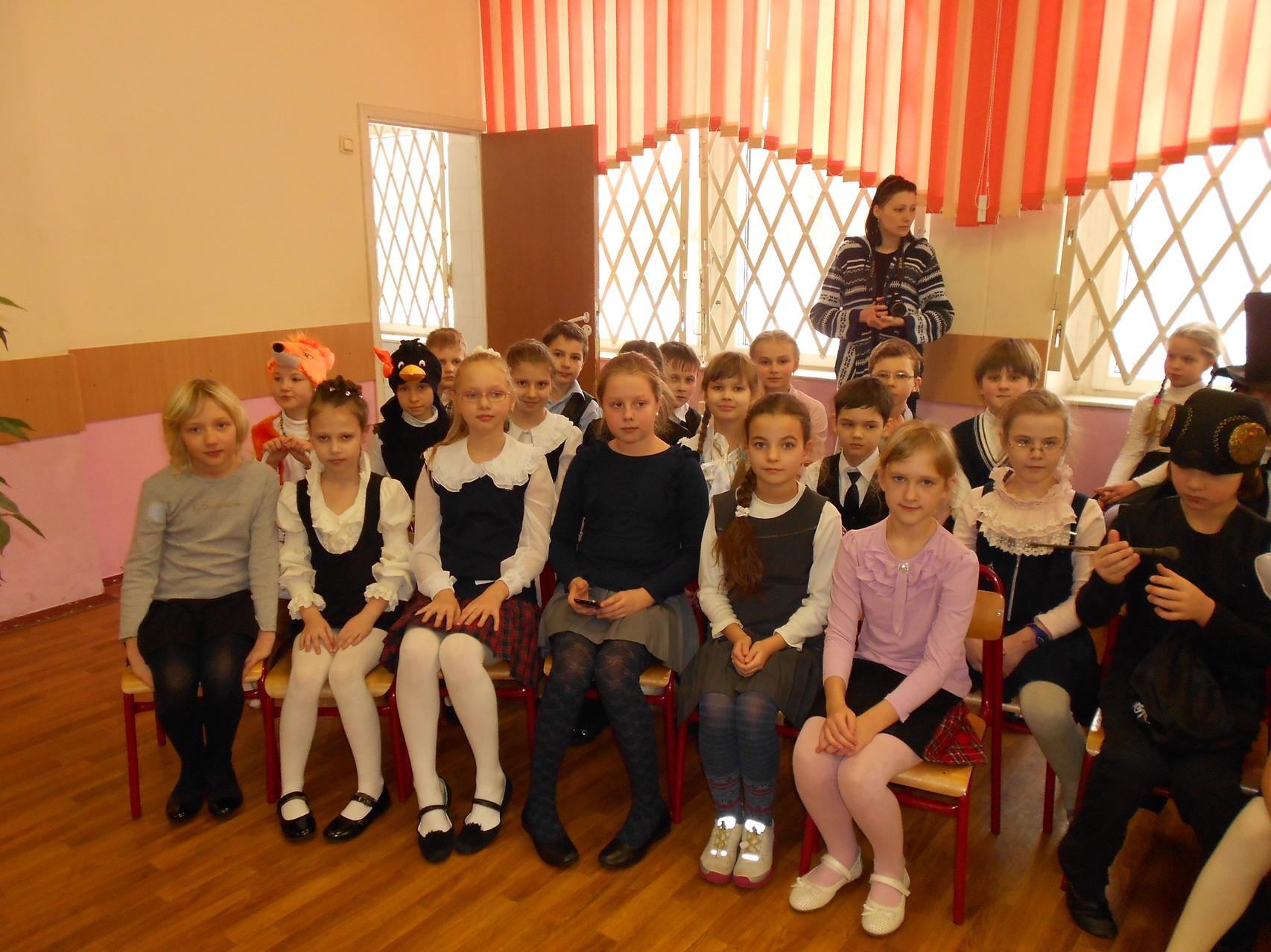 Зрители и участники литературной гостиной.