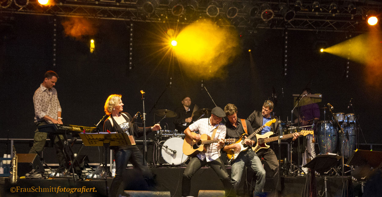 Partyband 'the flow' mit Sängerin Annika Klar Open Air Hattersheim