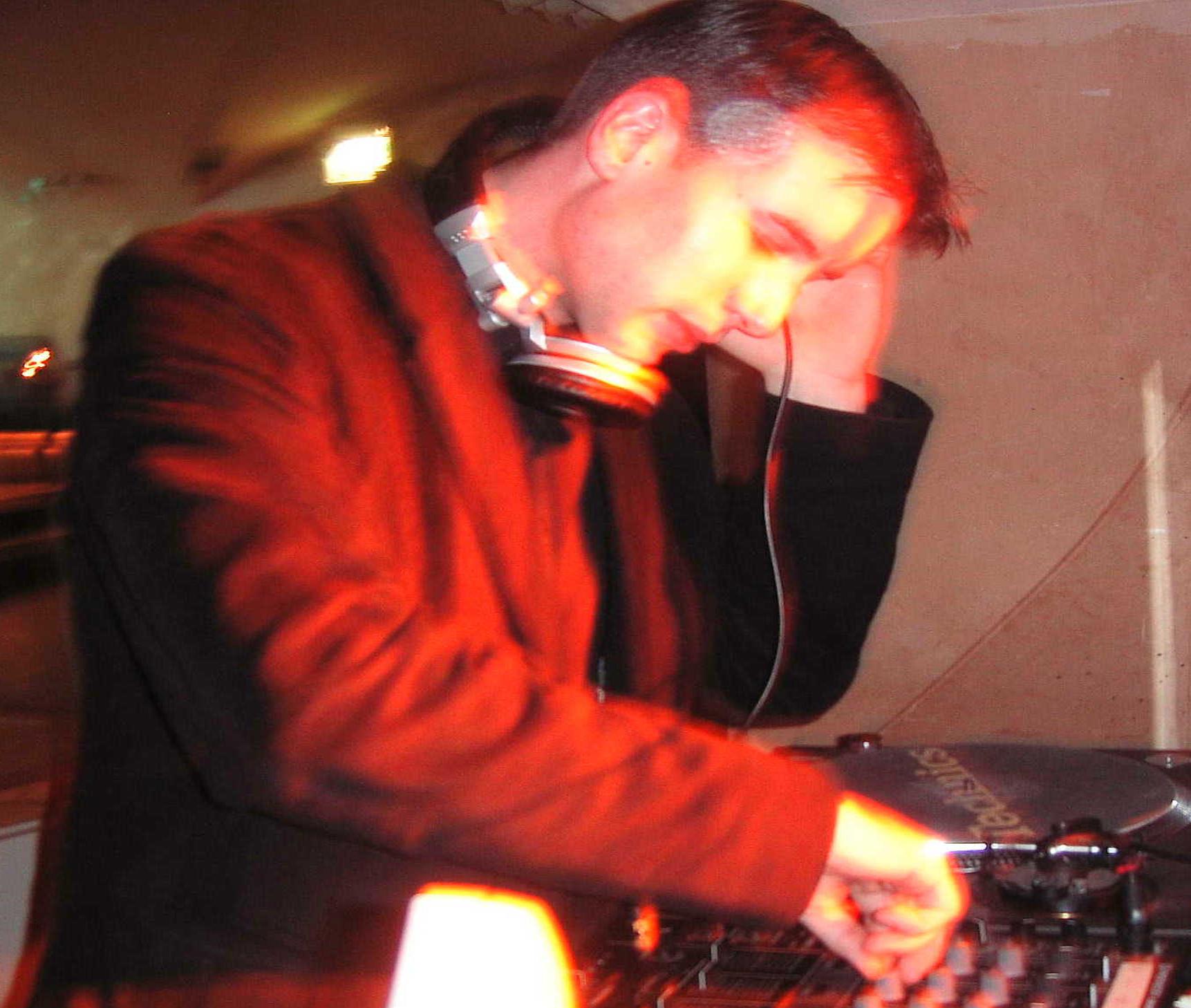 Partyband 'the flow' mit zusätzlichem DJ im Anschluss an die Liveband