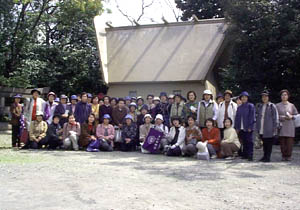 大阪の史跡を歩かれている歴史散策会