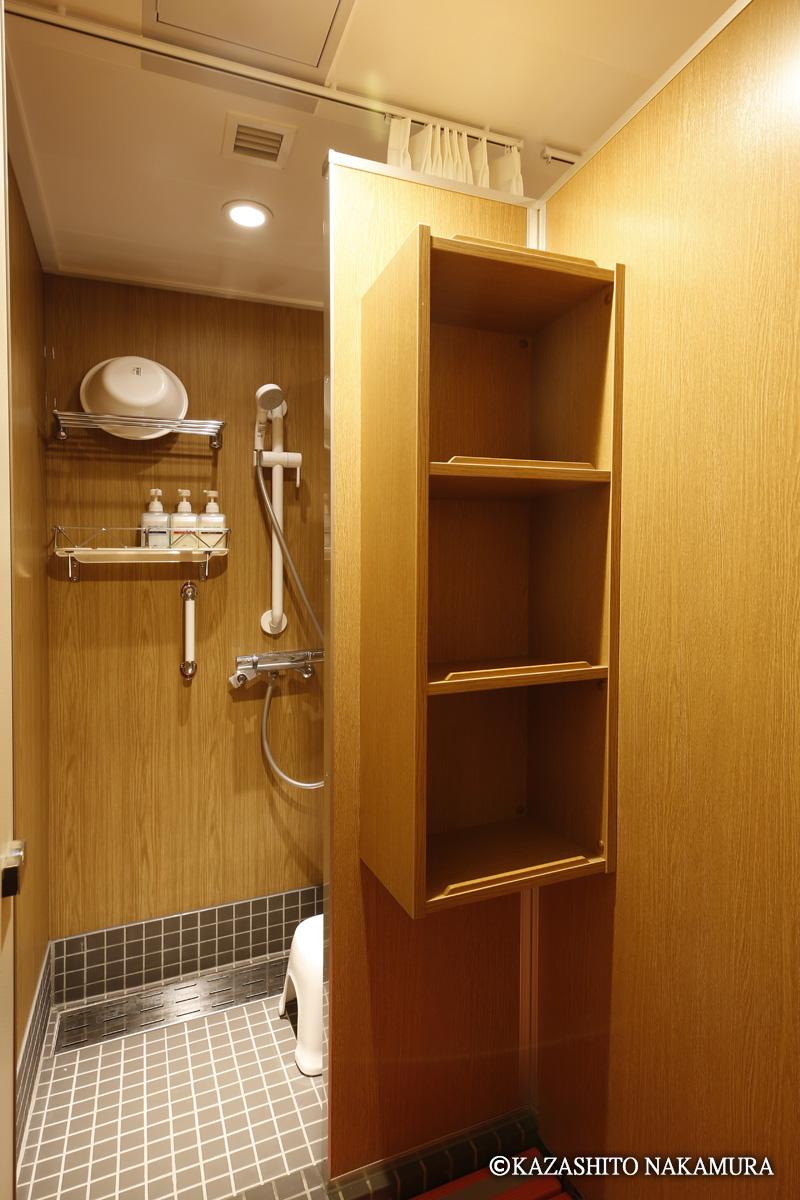 シャワー室(24時間利用可。ボディソープ・リンスインシャンプー備付け)
